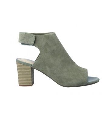 7d2af009d4a Zapatos Clarks de mujer y de hombre en Calzados Vesga