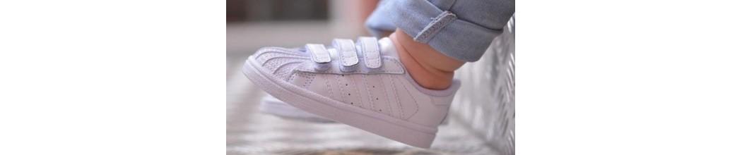 Zapatillas clasicas de Niño