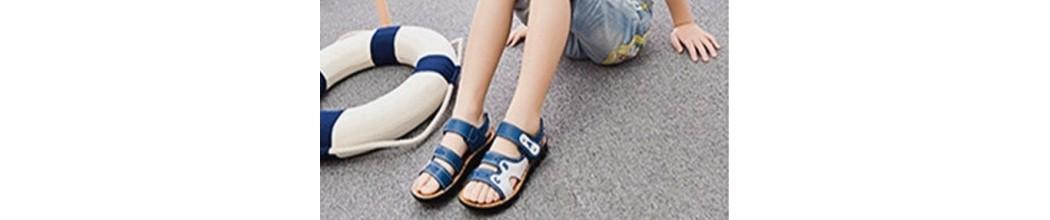 Zapatos abiertos de Niño