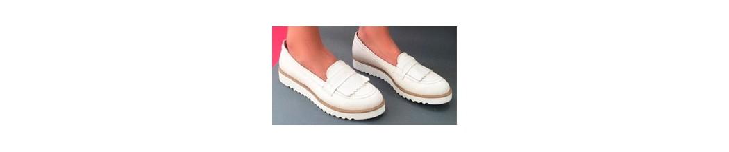 Zapatos sin cordones y mocasines